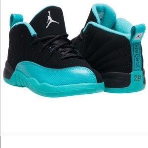 Kids Jordan retro 12 sneakers